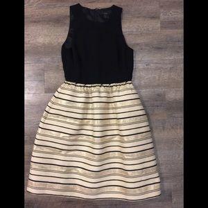 Jcrew women dress sz 4 black and gold pockets